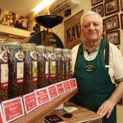 Vrei să deschizi un magazin de cafea? Află regulile de aur ale celui mai cunoscut cafegiu din București
