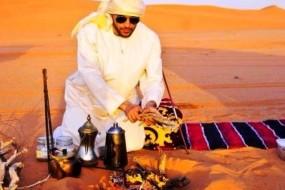 Populația arabă din zonele deșertice consumă câteva ceaiuri fierbinți pe zi