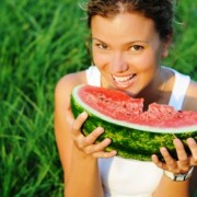 Motivul pentru care pepenele verde n-ar trebui niciodată mâncat după masă. Vezi răspunsul unui nutriționist cu experiență!