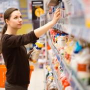 """Clienți păcăliți cu etichete înșelătoare! Sigla """"Produs în România"""", folosită pe produse de import. Un producător autohton dă totul în vileag"""