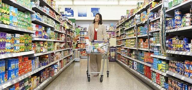 ANALIZĂ. Legea care va da peste cap planurile supermarketurilor –  peste 51% produse românești la raft. Cum vor gestiona situația marii retaileri și producătorii