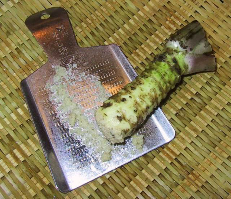 De când este răzuit, wasabi își păstrează aroma 15 minute
