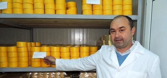 Singura fabrică din România unde se produce cașcaval în ceară
