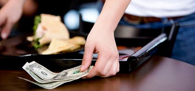 Restaurantele americane au început să renunțe la bacșișuri
