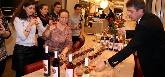 VIDEO: Roze-ul, un vin foarte la modă