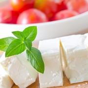 Roșiile cu brânză – îngrașă sau slăbesc? Ce spun nutriționiștii!