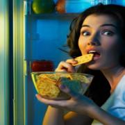 Foame emoțională sau foame fizică? Cum facem diferența