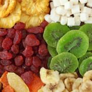 Slăbim cu fructe deshidratate? Iată câte calorii au acestea și de care poți să te bucuri fără a-ți pune silueta în pericol!