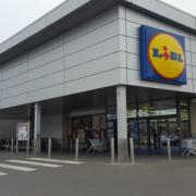SUSŢINEM PRODUCĂTORUL ROMÂN- În magazinele Lidl găsiţi lactate la prețuri bune, dar varza românească concurează la preț cu cea din China