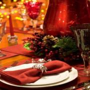 Cât ne costă o masă tradițională de Crăciun: de la 120 lei la LIDL, la 490 lei la un restaurant online celebru